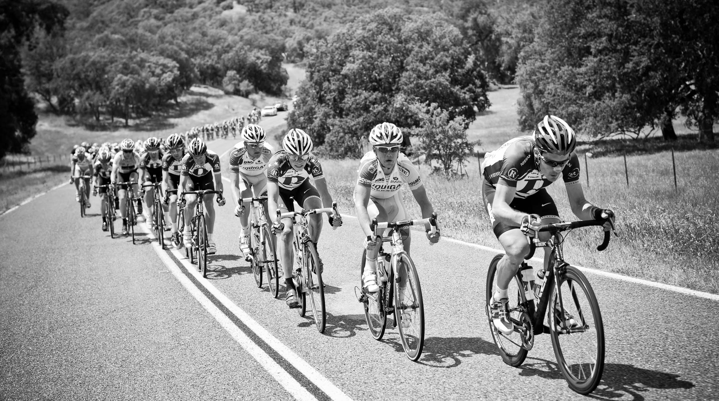 the Tour of California peloton puts the hammer down